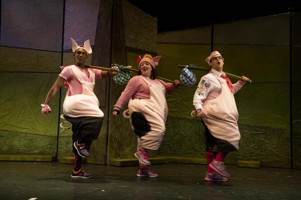 2015-three-little-pigs-05